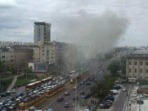 Pożar przy PKP Powiśle. Kłęby dymu było widać z daleka