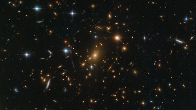 """Posłuchaj, jak brzmi <br />""""galaktyczna skrzynia ze skarbami"""""""
