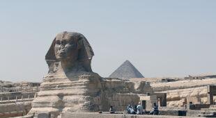 W Egipcie dezynfekują atrakcje turystyczne (PAP/EPA)